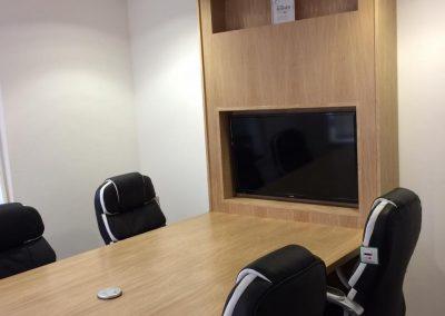 bespoke-office-furniture-gloucestershire
