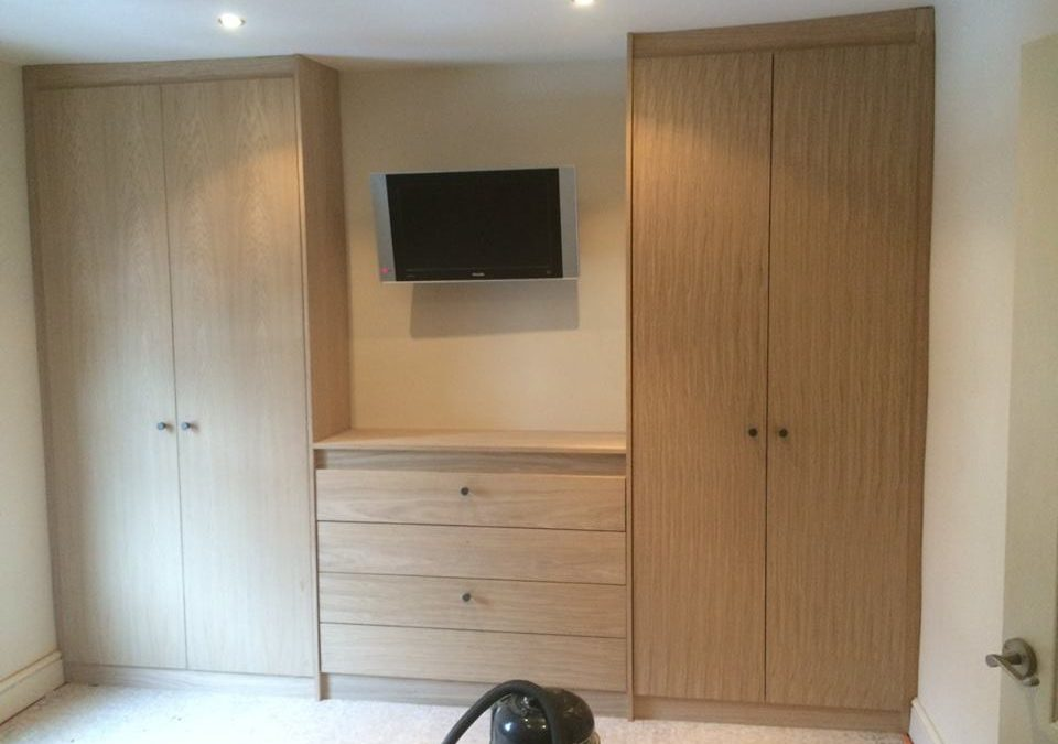 Fitted Solid Oak Wardrobes & Drawers in Gloucestershire